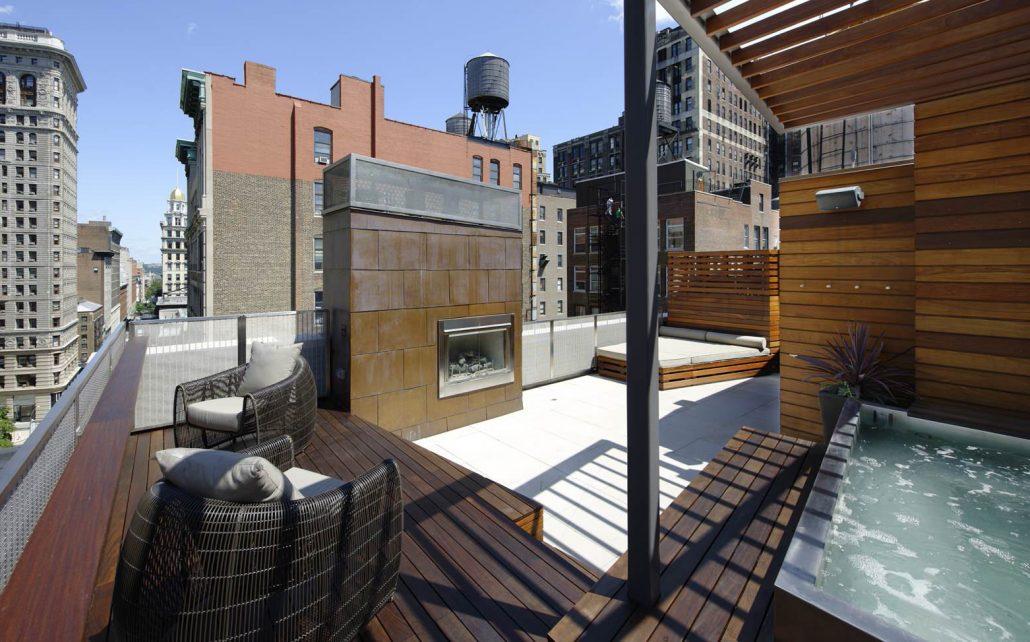 patio toit terrasse un garde corps en verre videmment