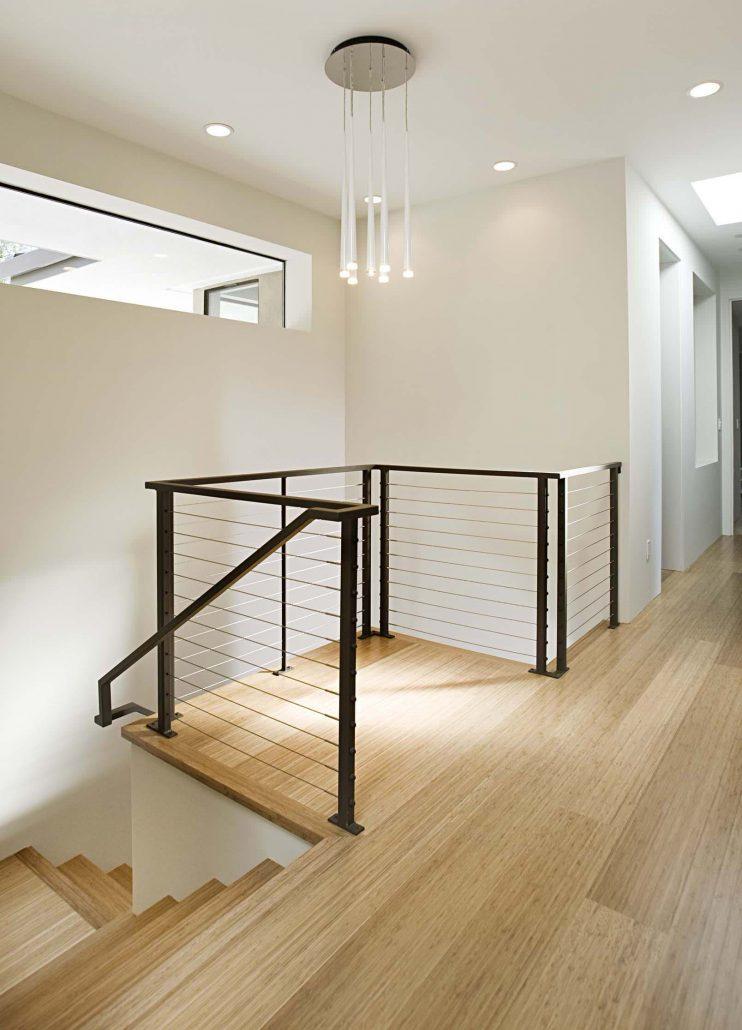 Arriv e d 39 escalier contemporain garde corps net for Escalier interieur contemporain